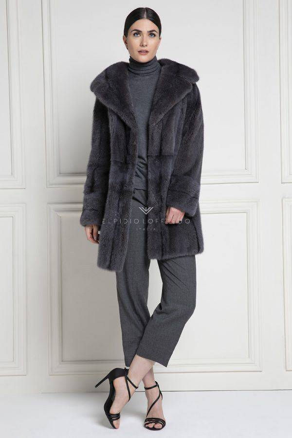 Mink Coat with Rever Collar - Length 90 cm