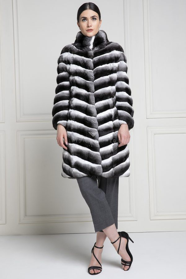 Chinchilla Fur Coat Natural Color, How Much Is A Full Length Chinchilla Fur Coat