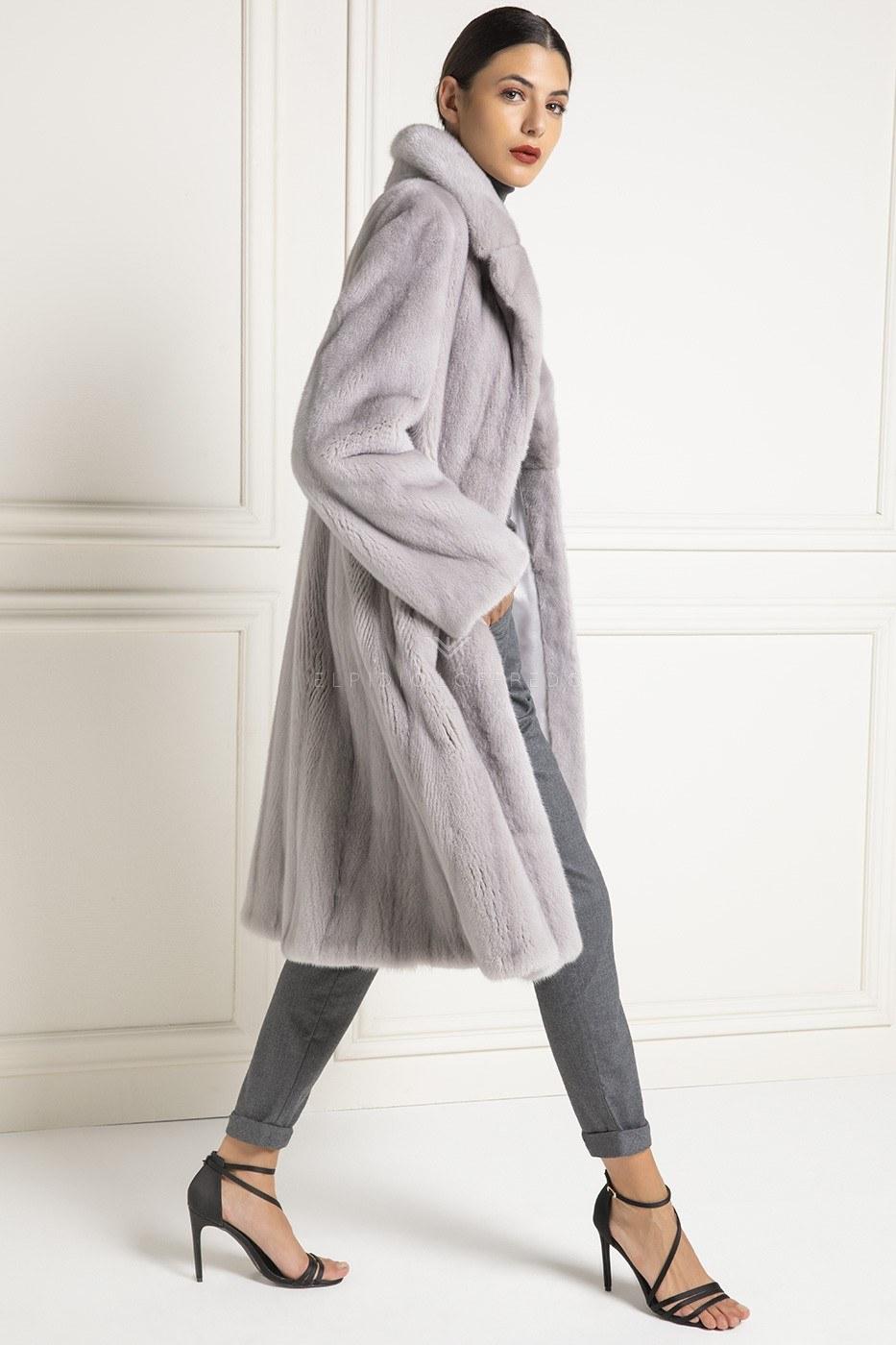 Cappotto di VisoneTrasportato - Lunghezza 105 cm