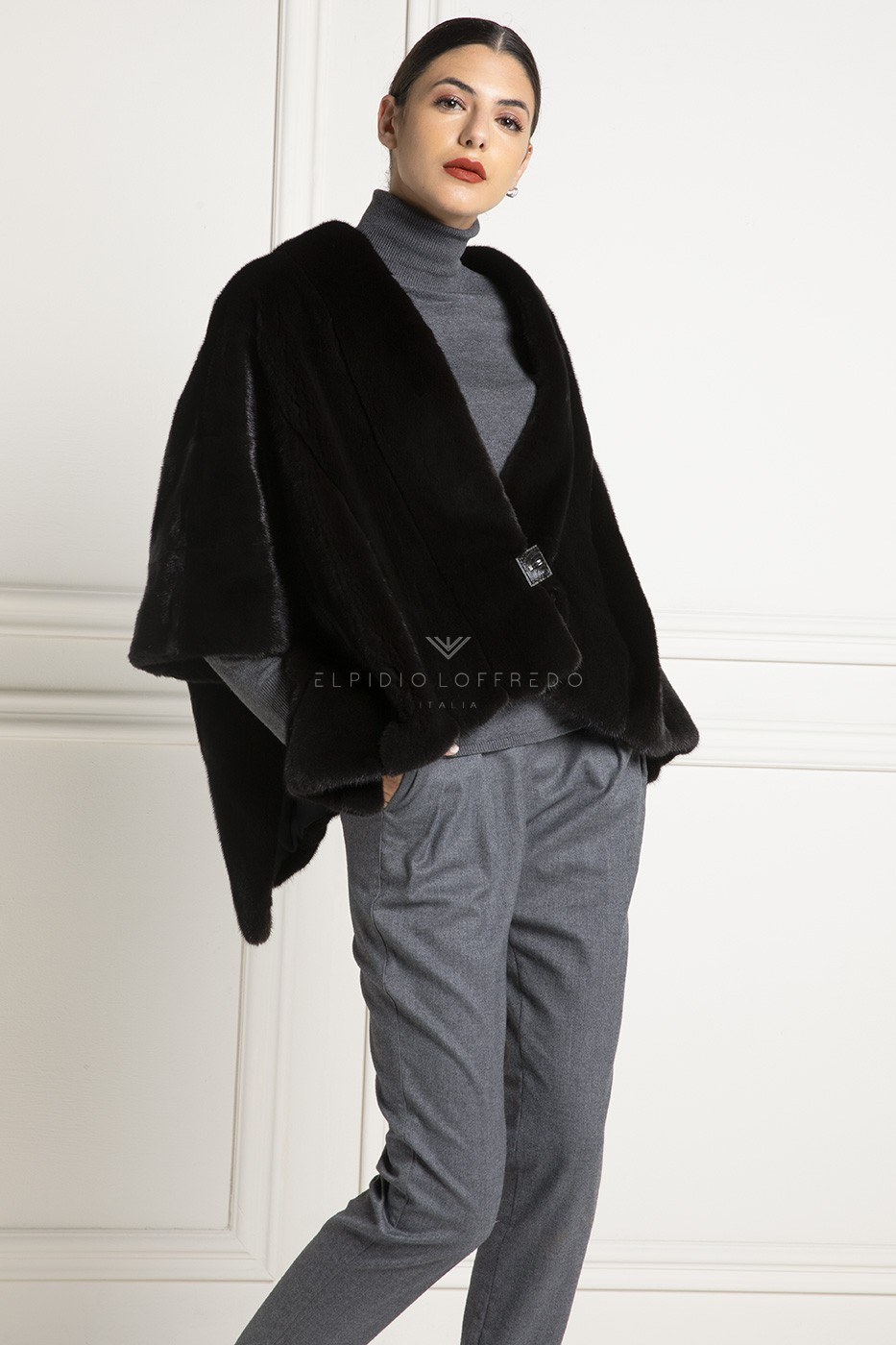 Mantelladi VisoneBlackglama con collo rotondo - Lunghezza 70 cm