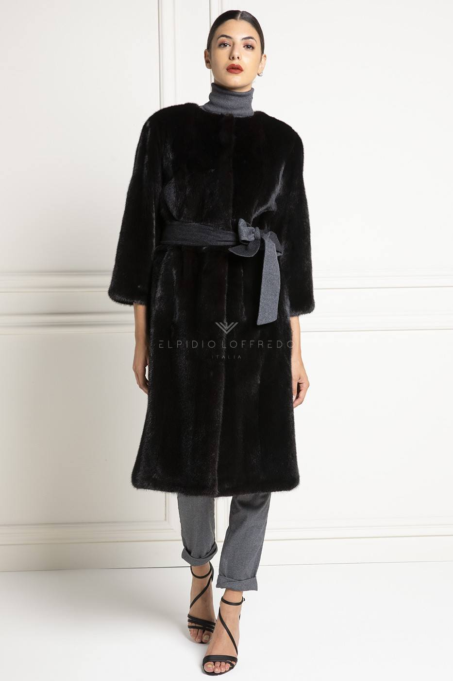 Blackglama Mink Coat with Plat Collar - Length 105 cm