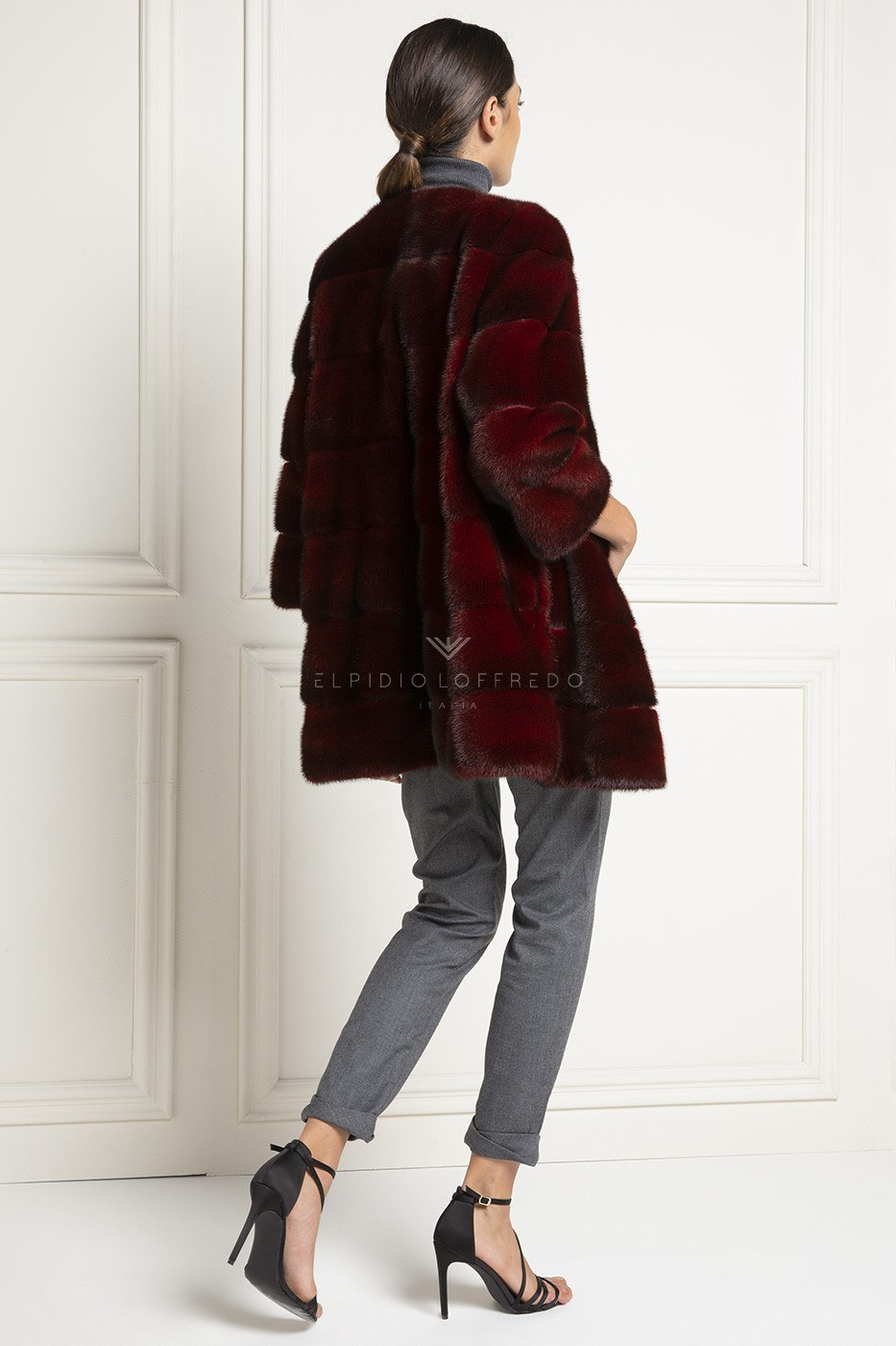 Red Mink Fur with Plat Collar - Length 70 cm