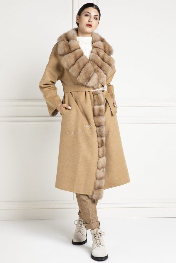 Beige Cashmere Loro Piana Coat with Barguzinsky Russian Sable Fur and rever collar