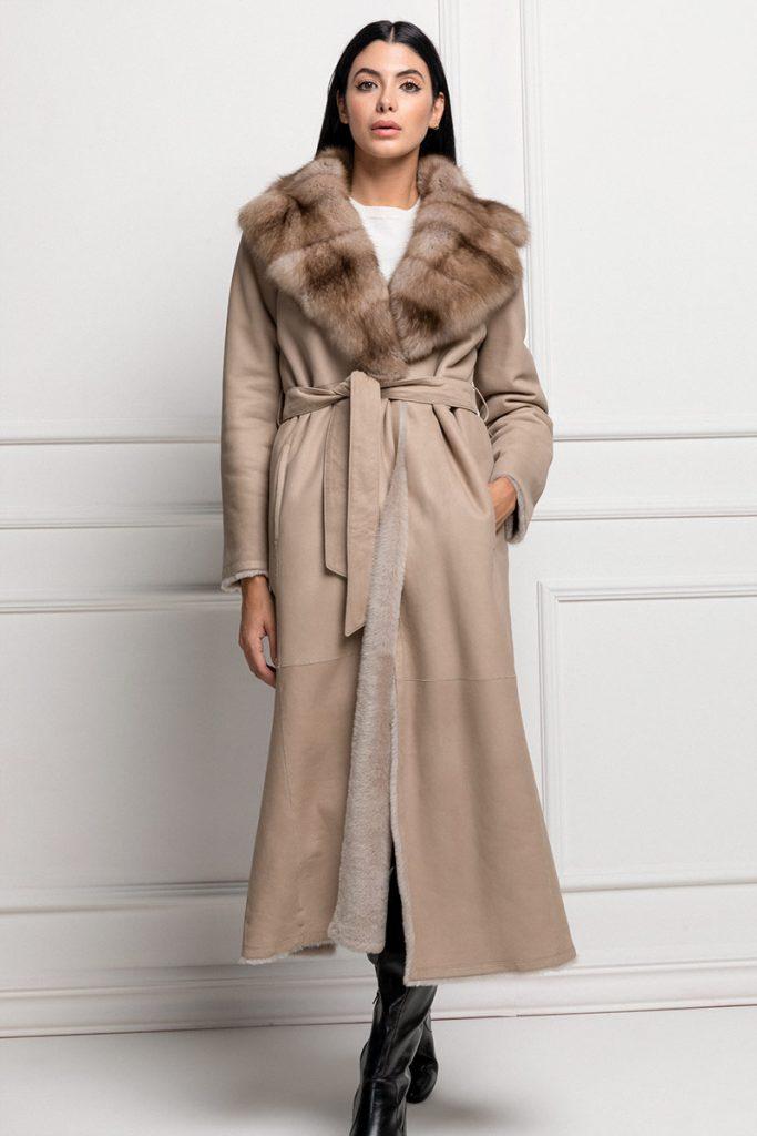 cappotto di montone con zibellino